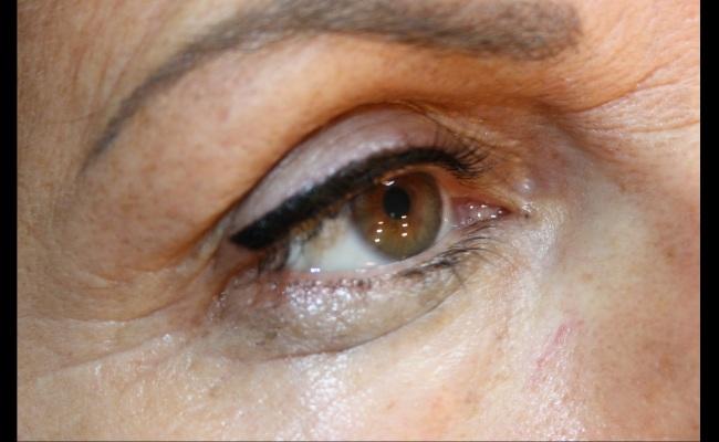 22 – stella eyeliner